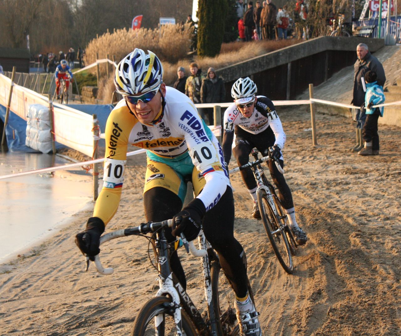 Petr Dlask leads Dieter Vanthourenhout as Mourey chases back into the race - Sint Niklaas, Belgium, January 2, 2010.  ? Dan Seaton