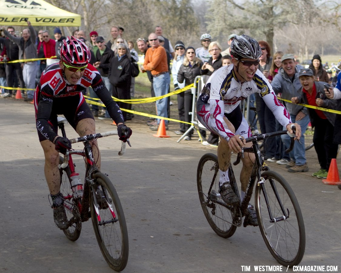 Ames pips Prenzlow for the 35+ title. Socal vs. Norcal Cyclocross Championships. © Tim Westmore
