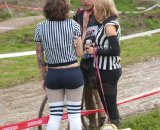 """Referees"" having a chat with a SSCXWC racer © Karen Johanson"