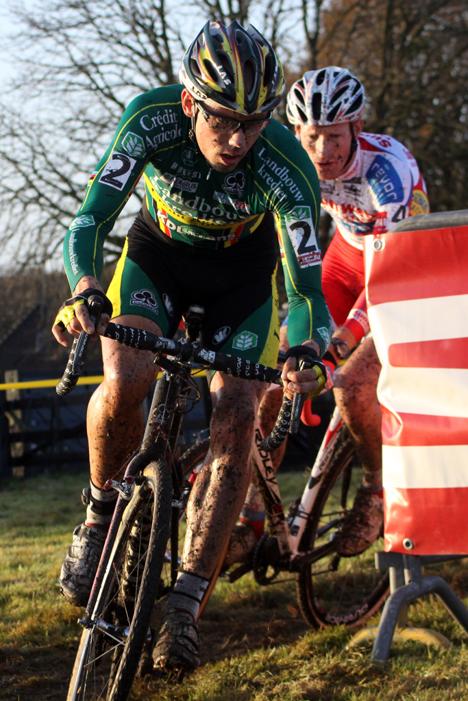 Sven Nys with Vantournout battling. © Bart Hazen