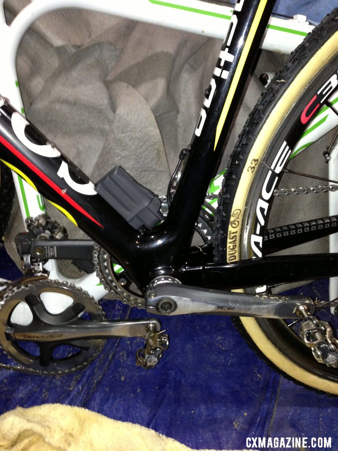 Internal wiring for Di2 on Sven Nys\' 2013 World Championship-winning Colnago Cross Prestige.  © Cyclocross Magazine