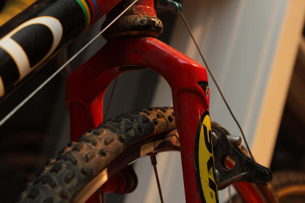 Narrow tubulars, steel fork and lots of clearance. ? Cyclocross Magazine