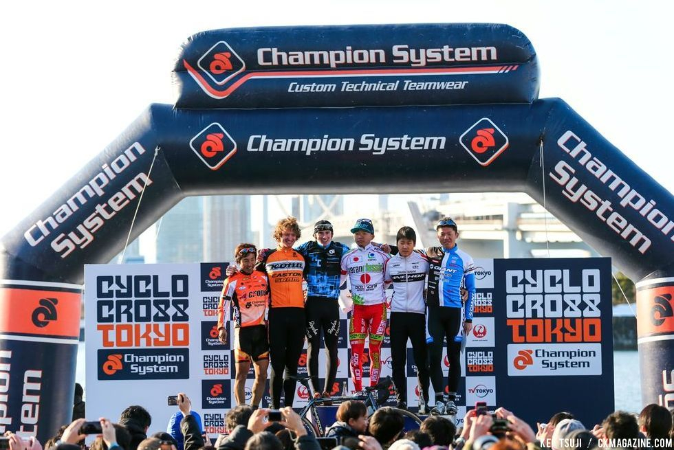 Men\'s podium at Tokyo Cyclocross. © 辻啓/Kei TSUJI