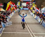 Stybar taking the win at the UCI World Championships of Cyclocross. © Thomas Van Bracht