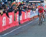 Specialized's Todd Wells sprinting for the victory, Powers trying to come by. ? Joe Sales