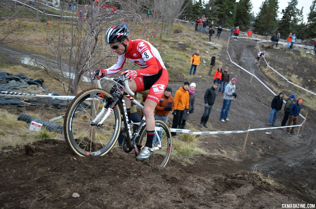Lindine powers up. © Cyclocross Magazine