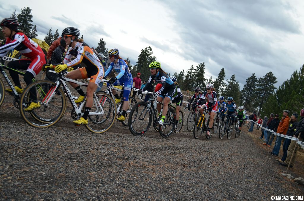 The women hit turn number 1 en masse. © Cyclocross Magazine