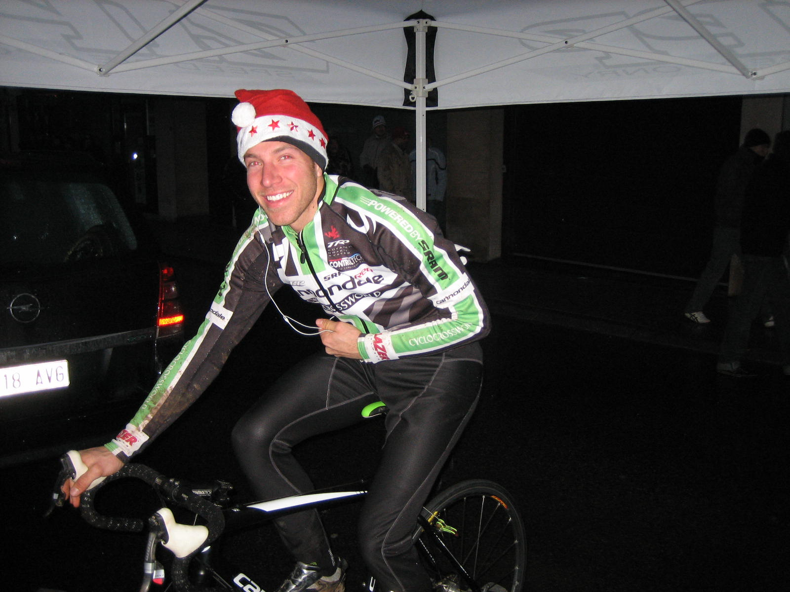 Jeremy Powers warms up for Diegem  ? Christine Vardaros