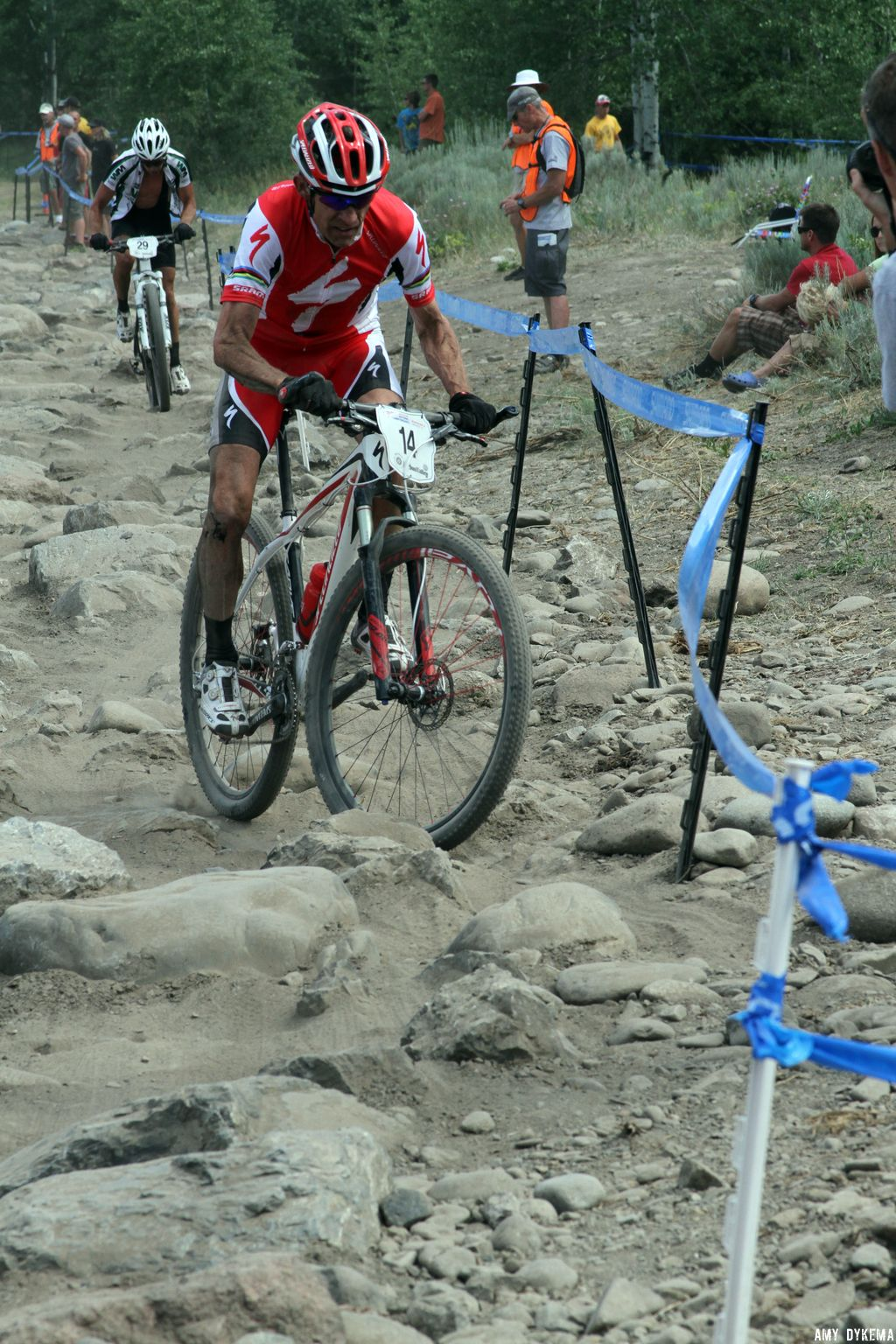 Ned Overend uses his top-notch handling skills to fly through the rock garden. ©Amy Dykema