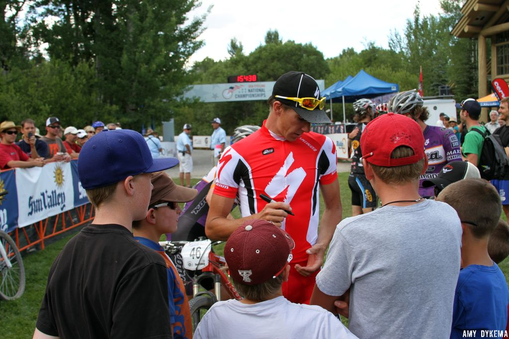 Todd Wells has a crowd of young fans waiting for autographs. ©Amy Dykema