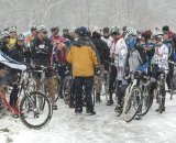 Racers Prepare for a Cold and Slipper Battle © Steve Vorderman