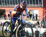 Gerben De Knegt at the top of the steep run-up. 2009 Zolder Cyclocross World Cup. ? Bart Hazen