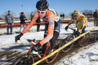 Trebon Leads Pack and the rest of the field. ©Cyclocross Magazine
