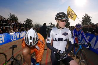 Katie Compton ready to give her all, despite her muscle problems.  Photo by Joe Sales