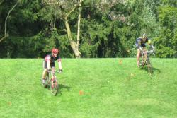 Practicing off-camber turns at NYCross Clinic