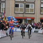 Marianne Vos Sprints to Victory in Hoogerheide.