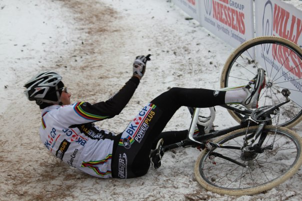 Niels Albert also fell during warmup in Belgium National Championships © Garry Ceuppens