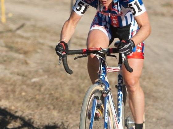 Katie Compton keeps her winning streak alive at the Boulder reservoir. © Mark Legg