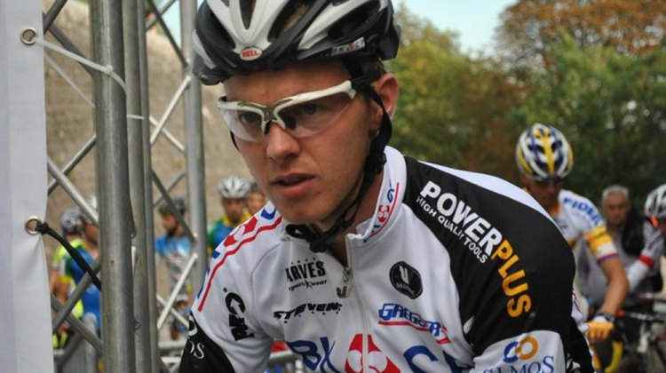 Dieter Vanthourenhout as Namen start line