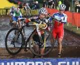 Sanne Cant overcoming the barriers at the Roubaix World Cup. © Bart Hazen