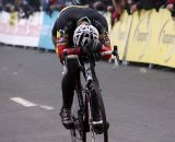A disappointed Sven Nys rolls in for second © Bart Hazen