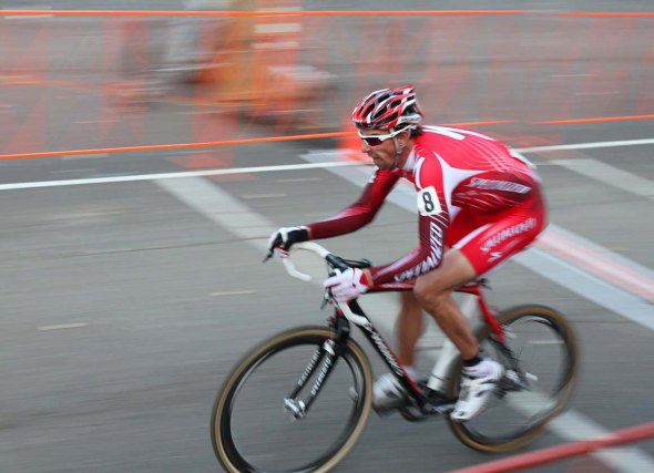 Todd Wells showing late-season speed with an attack in Portland. © Cyclocross Magazine
