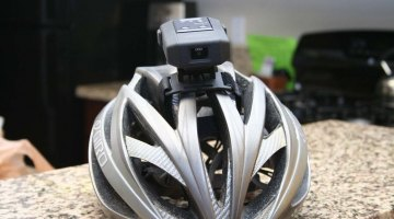The Cat Eye Inou quickly mounts to either helmets or handlebars.