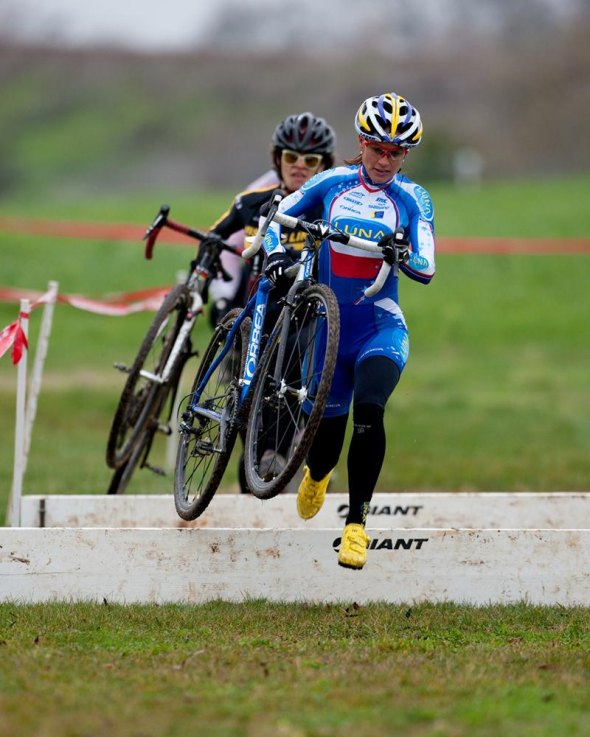 Katerina Nash (Luna) Leads Emily Thurston (Missing Link) Laguna Del Sol, Sacramento Cyclocross Series