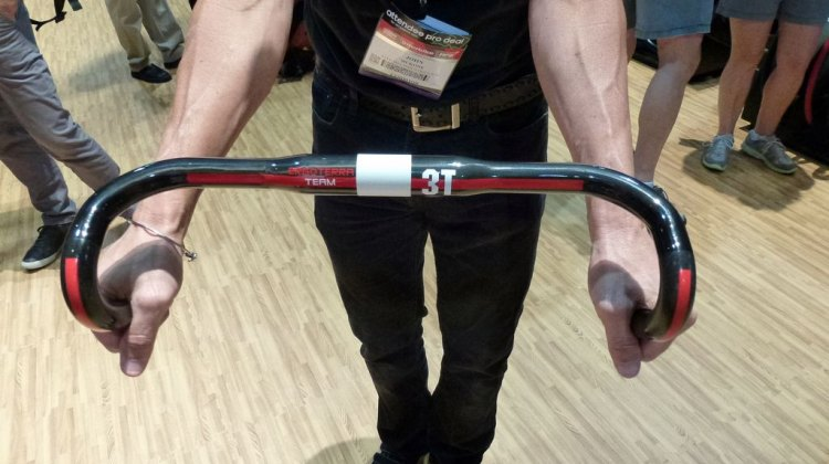 3T shows off their new cyclocross-specific carbon handlebars, the Ergoterra. © Cyclocross Magazine
