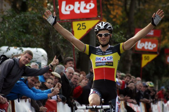 Niels Albert had plenty of time to celebrate Saturday in Dottignies. Bart Hazen