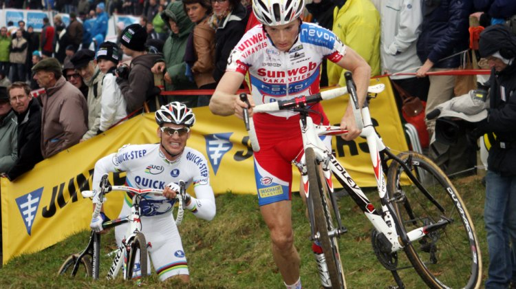 Kevin Pauwels leads World Champ Zdenek Stybar up the run-up at the GVA Trofee race #2 in Ronse. © Bart Hazen