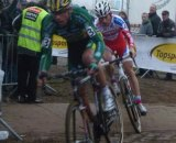 Pauwels finally making contact with Nys. ©Lydia van de Meerssche