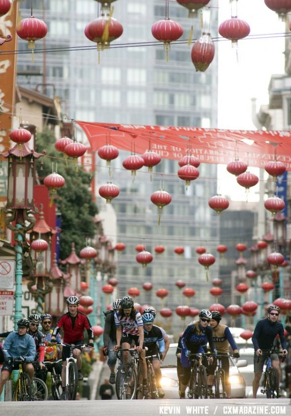 The SSCXWC 2011 Day 1 Qualfiers went through San Franciso's Chinatown. © Kevin White