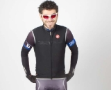 The Fawesome vest provides tight-fitting warmth and weather protection. ©Greg Hudson, Corsa Concepts