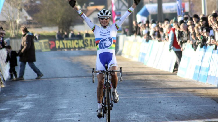 Marianne Vos took the win at Lieven World Cup 2012. ©Bart Hazen