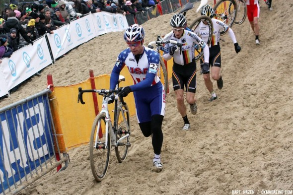Jonathan Page running the sand, broken ribs and all, at Koksijde. Bart Hazen