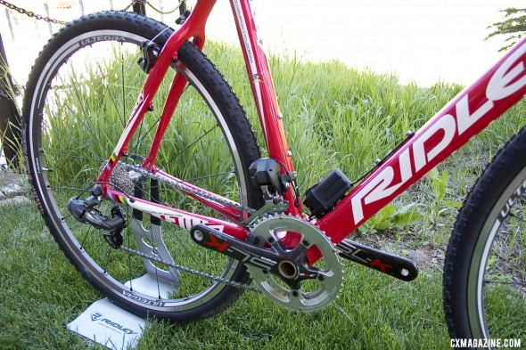 Shimano Ultegra Di2 graces the carbon 2013 Ridley X-Fire bike. ©Cyclocross Magazine