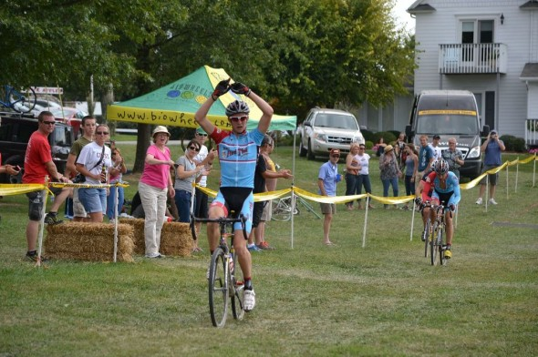 OVCX #1 Draws UCI Level Talent to Opener at Huber's Apple Cross