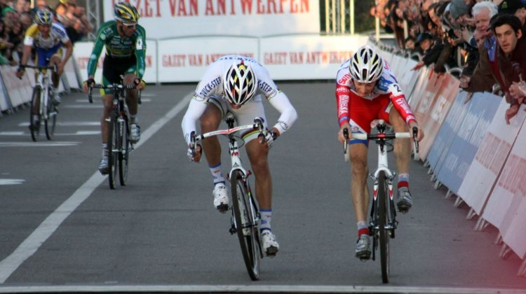 Kevin Pauwels has had two consecutive victories at GVA Hasselts Bart Hazen