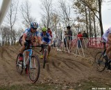 Compton and Wyman come through the sand first at Derby City Day 2. © Cyclocross Magazine
