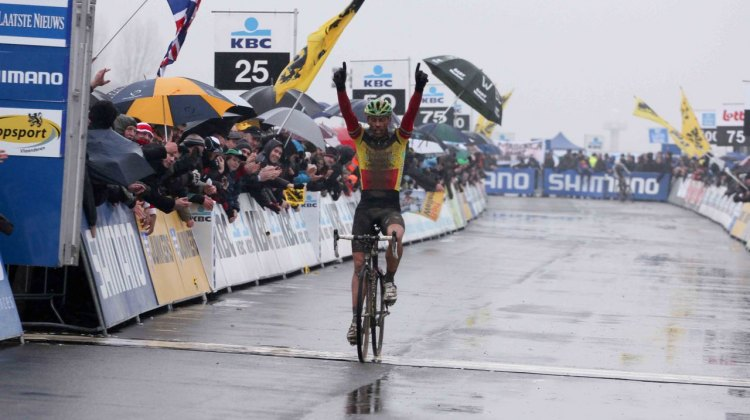 Sven Nys, shown here at Koksijde, raised his hands again today at Roubaix. © Bart Hazen