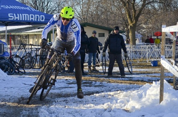 Adam Craig slid through the icy turns and enjoyed his singlespeed title-winning preride for Sunday's race. ©Cyclocross Magazine