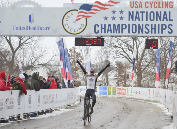 Robert Rimmer took a commanding victory in the Division II Collegiate Men's Race. © Cyclocross Magazine