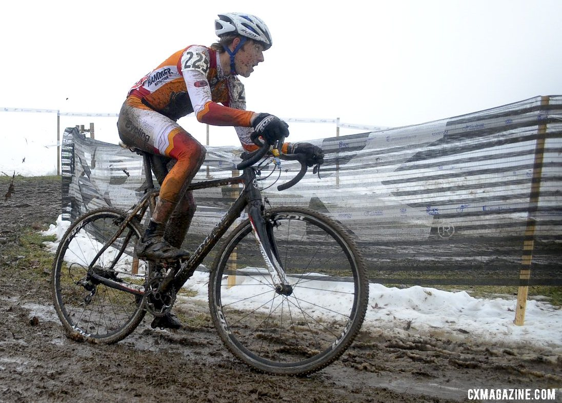 Gage Hecht storms to another National Championship in the 15-16 age group. © Cyclocross Magazine