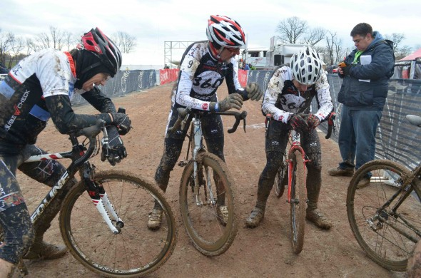 The finishing sprint for second through fifth left racers exhausted. © Cyclocross Magazine