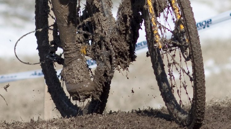 Power washers were needed but missing at the 2013 Masters Cyclocross World Championships. © Cycloc