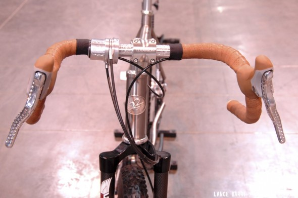 Flared drop bars remind us of Jacquie Phelan. Twenty2 Cycles' titanium 650b belt drive, internally geared monster cross bike. © Lance Barry / Cyclocross Magazine
