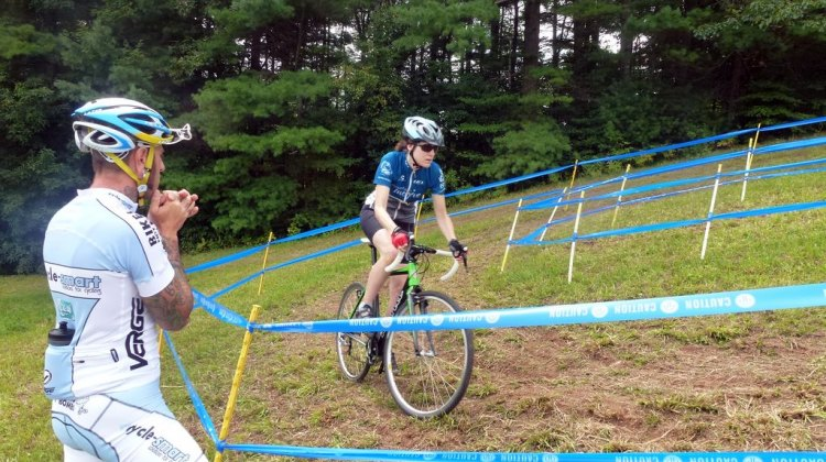 Adam Myerson coaches riders at the Cycle-Smart Cyclocross Camp. © Cyclocross Magazine