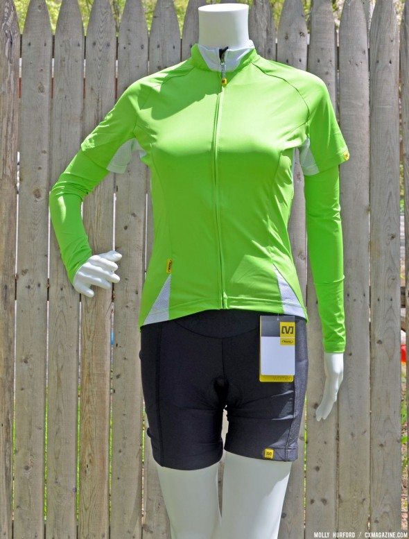 A look at the Mavic Cloud jersey and shorts. © Cyclocross Magazine