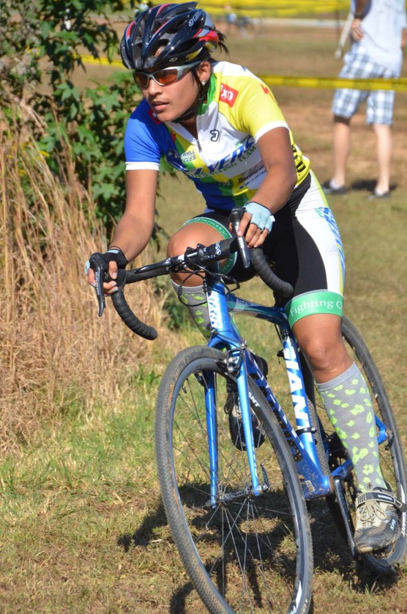 Salma Huque (Junior Flyers) on her way to winning the Womens Cat 4 race. © Trish Albert